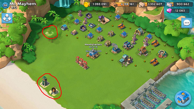 The base of player Mr.Mayhem(38 lvl) has only three defensive buildings 2...